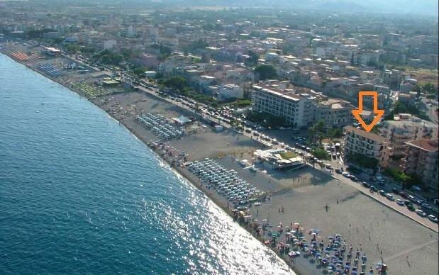 Appartamento vista mare, 1° piano, location de vacances à Sant'Ilario dello Ionio