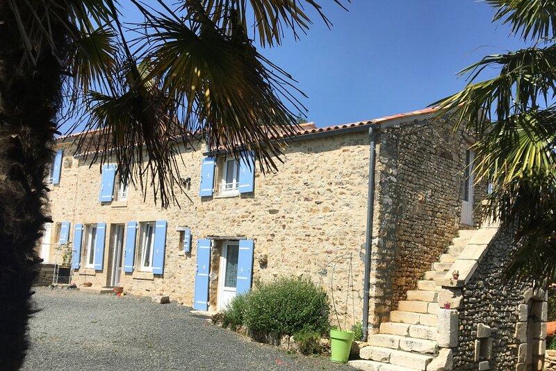 Eole, gite 8 personnes, tout équipé et confortable., holiday rental in Thouarsais-Bouildroux