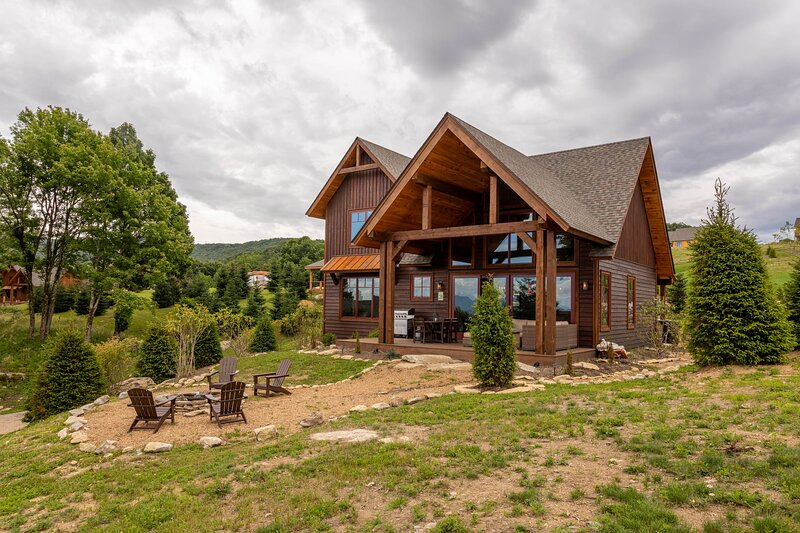 Eagles Overlook at Eagles Nest, holiday rental in Roan Mountain