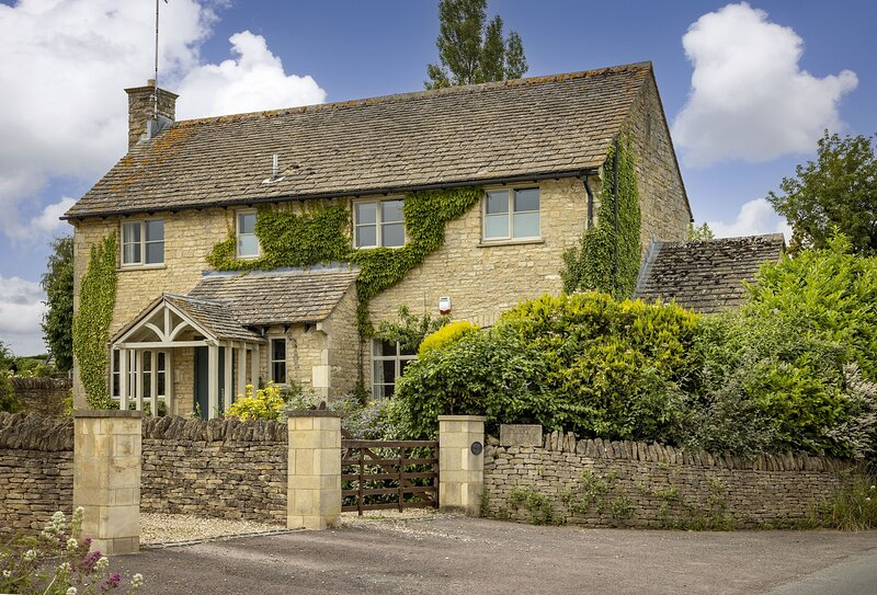 Orchard Manor, holiday rental in Little Washbourne