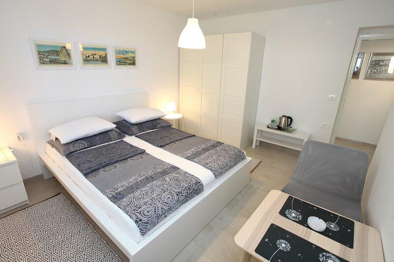 Tatjana's Private Room Guesthouse Portoroz TASL1, holiday rental in Portoroz