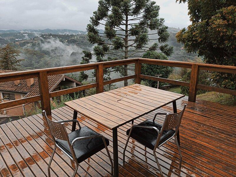 Casa com vista p/ as montanhas em Campos do Jordão, Ferienwohnung in Tremembe