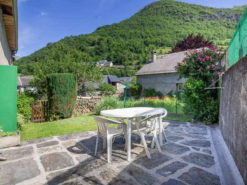 Maison 4 personnes - 2 chambres et jardin, holiday rental in Viey