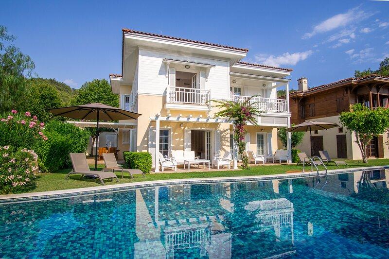 2 Bedroom Detached Villa in Portville, vakantiewoning in Gocek