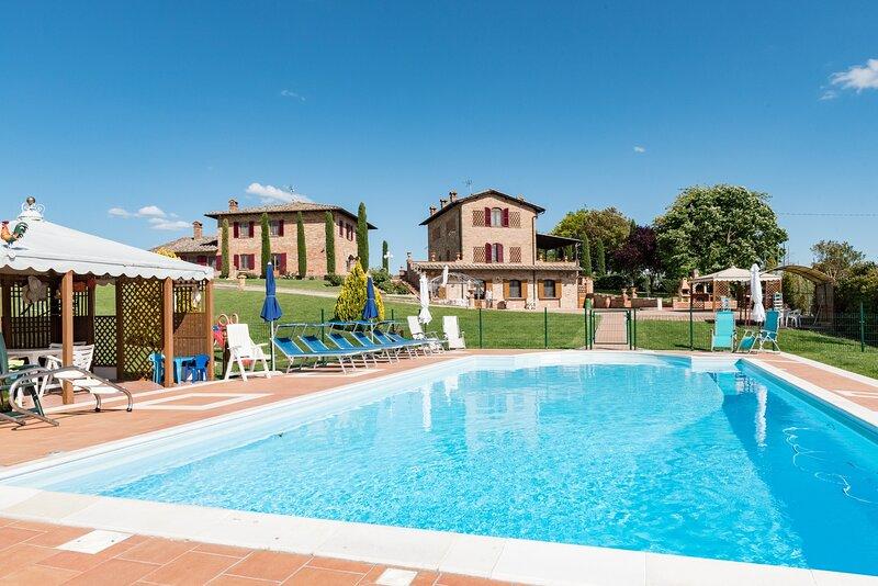 Villa Exclusive 18px con parco e piscina panoramica, location de vacances à Foiano Della Chiana