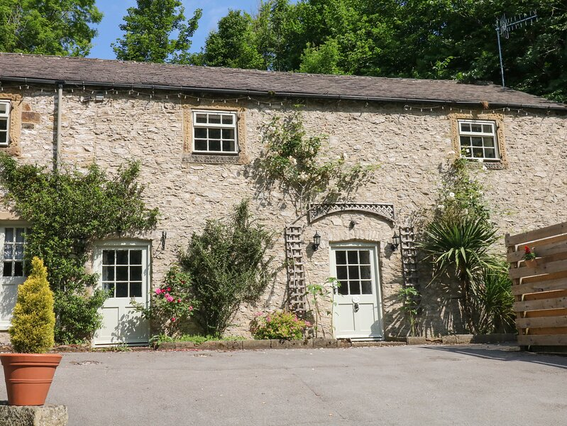 The Barn, Tideswell, holiday rental in Millers Dale