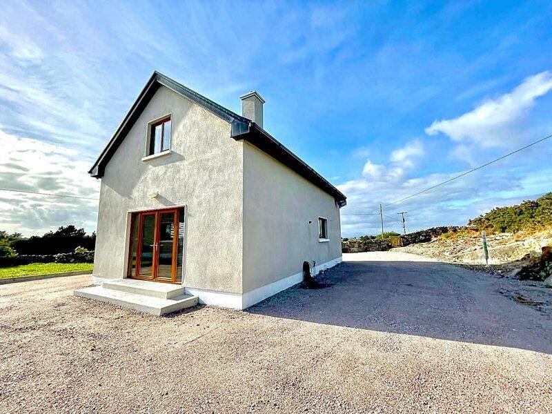 Tishmeain House - Perfect base to explore Connemara. Plenty of scenic walks on y, casa vacanza a Lettermullan