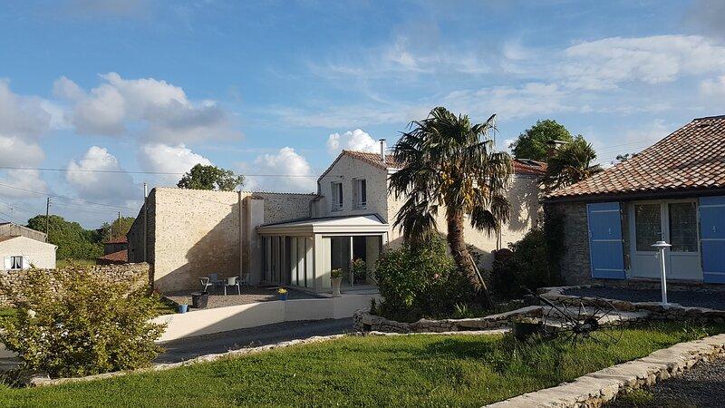 Gaia, gite 4 à 6 personnes et son jardin privatif, holiday rental in Thouarsais-Bouildroux