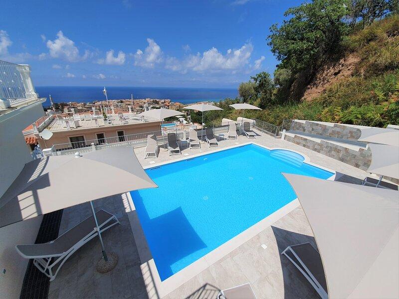 Borgo Panoramico Apartaments Tropea  N.6, vacation rental in Gasponi