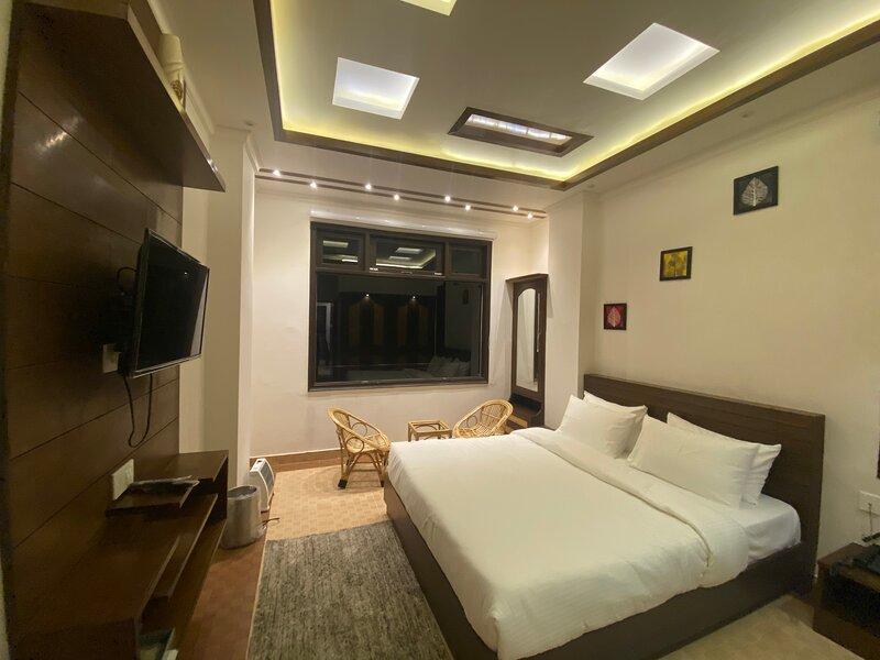 Raahgeer B&B, aluguéis de temporada em Naldehra