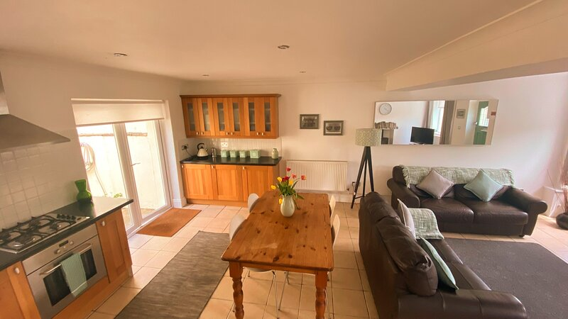 Ivy House South Wales, Cymmer, holiday rental in Margam