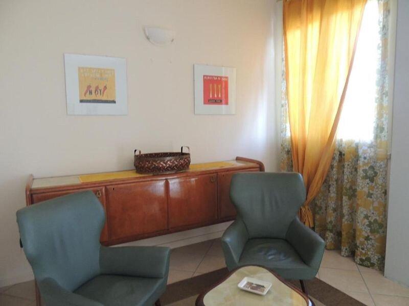 Villa Rosa - 3 Bedroom Apartment, vacation rental in Moniga del Garda
