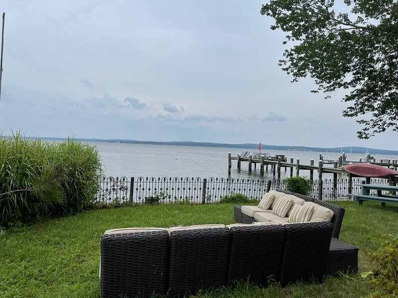 Waterfront Sailor's River Cottage, vacation rental in Elkton