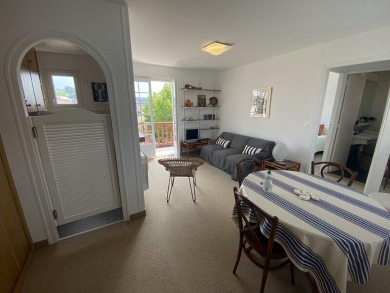 Location Appartement Urrugne, 3 pièces, 4 personnes, holiday rental in Urrugne