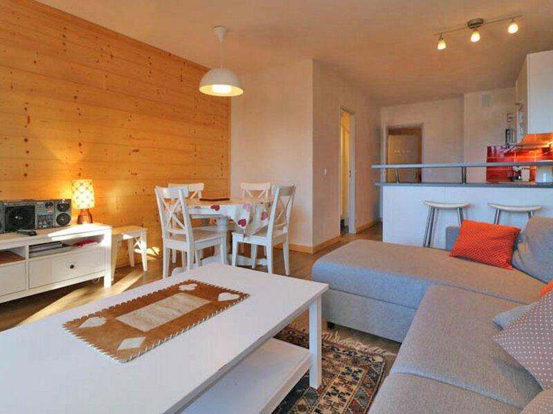 2 pièces exposé Sud avec magnifique vue refait à neuf, holiday rental in La Rosiere
