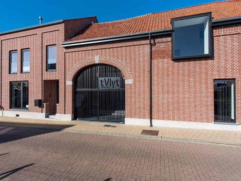 Inviting Holiday Home in Vlijtingen with Sauna, holiday rental in Heerenelderen