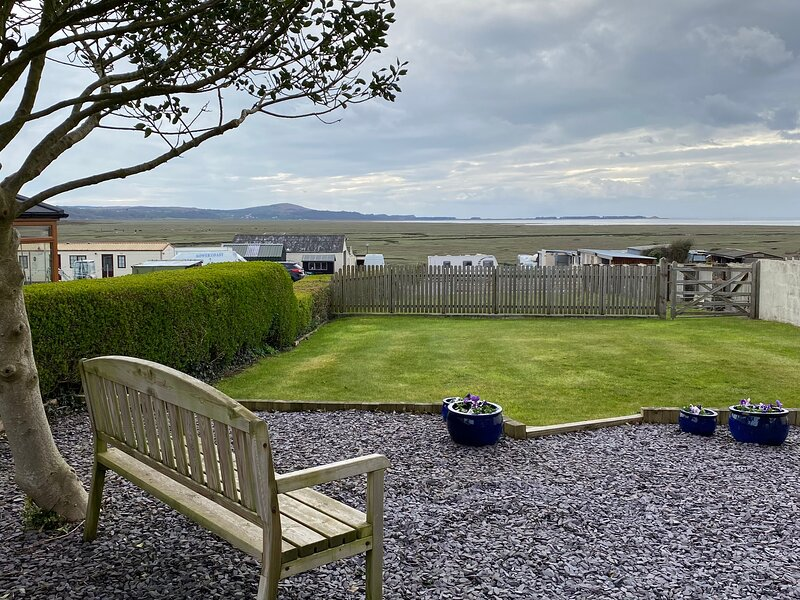 Whitford View,  Crofty, Gower, holiday rental in Penclawdd