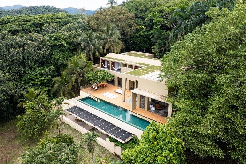 Anp015 - Spectacular villa with pool in Mesa de Yeguas, alquiler vacacional en Silvania
