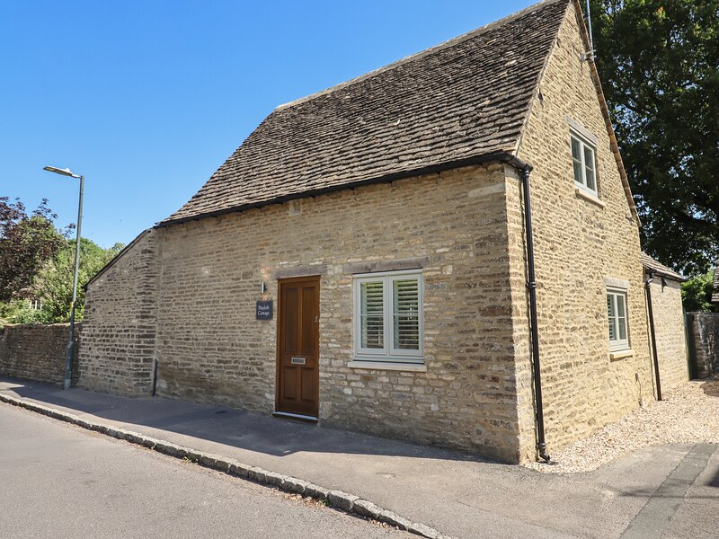 Hayloft Cottage, Cirencester, vacation rental in Ampney Crucis