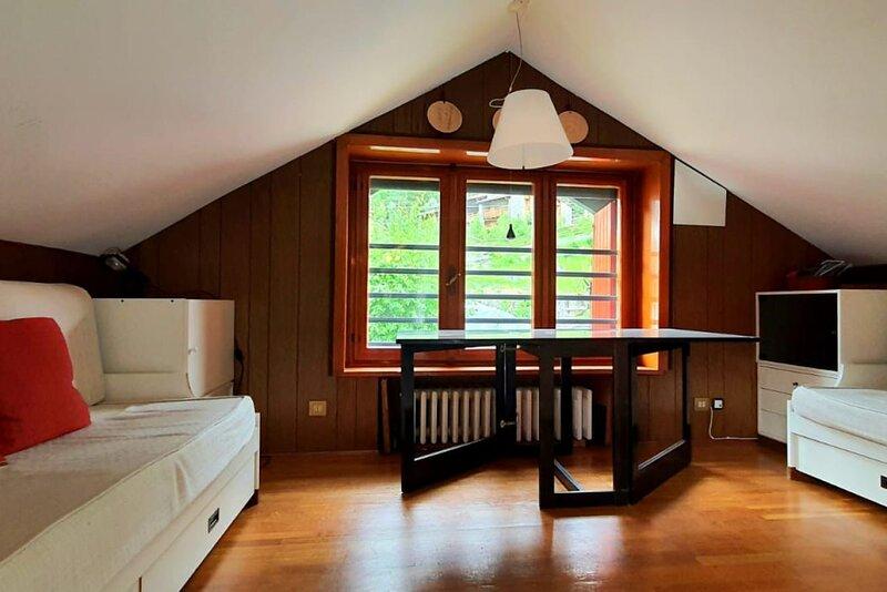 Belle Vue #Bluchalet, holiday rental in Verrand