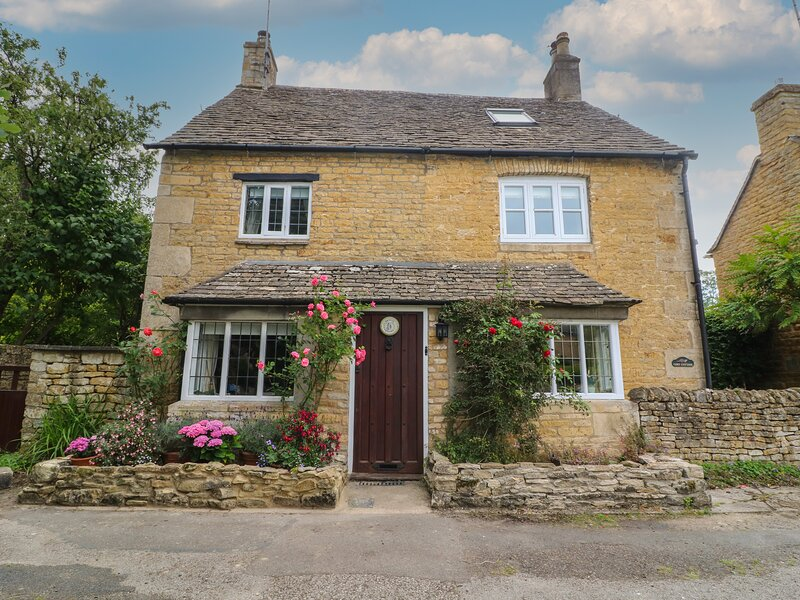 Tuesday Cottage, Bourton-On-The-Water, holiday rental in Bourton-on-the-Water