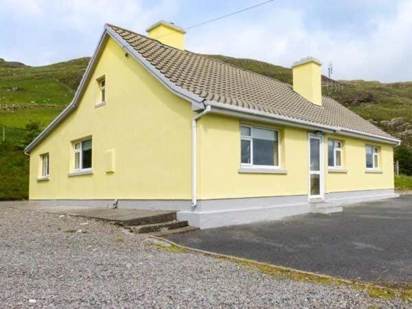 Lough Fee View Renvyle, casa vacanza a Silver Strand