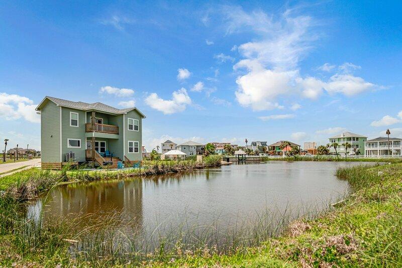LA162#30 - Shore Beats Work, vacation rental in Ingleside on the Bay