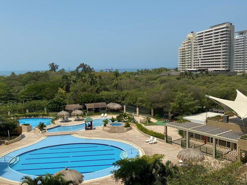 Deluxe Apartment in Zazue, holiday rental in Cienaga