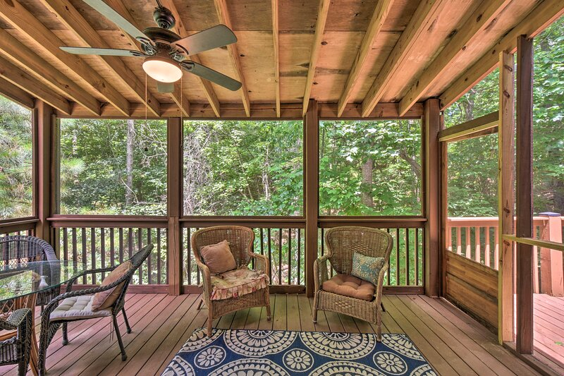Screened Porch   Forest Views