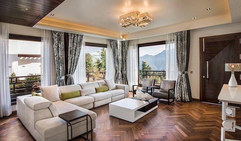 An Extravagant Luxurious Pushp Villa Overlooking The Ganges and Rishikesh Valley, location de vacances à Haridwar