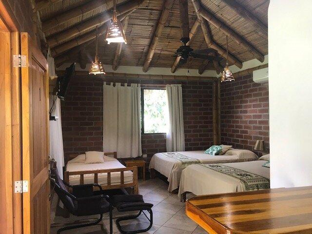 Cabañas de Ellen en Olón, holiday rental in Ayampe