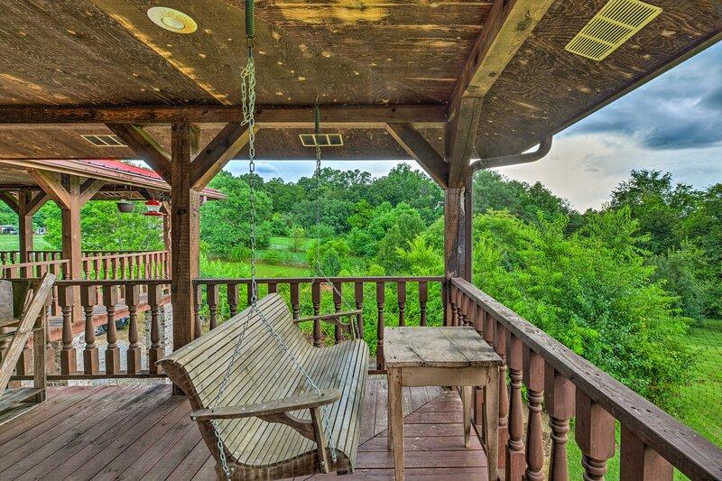 NEW! Sparta Log Home: 16 Mi to Center Hill Lake! – semesterbostad i Cookeville