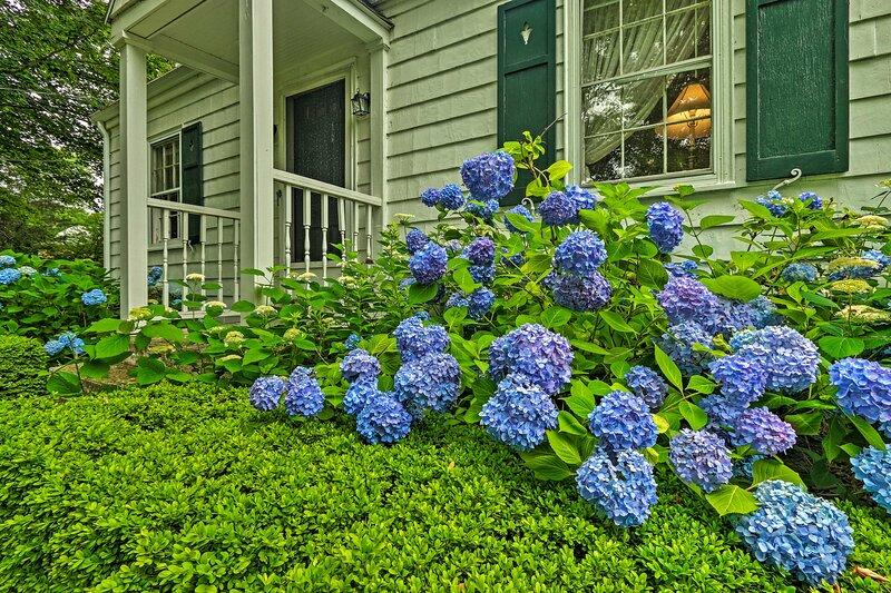 NEW! Historic Home w/ Large Yard Near Dwtn Essex!, alquiler vacacional en Portland