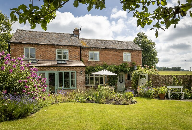 Southcroft Cottage, holiday rental in Ashton Under Hill