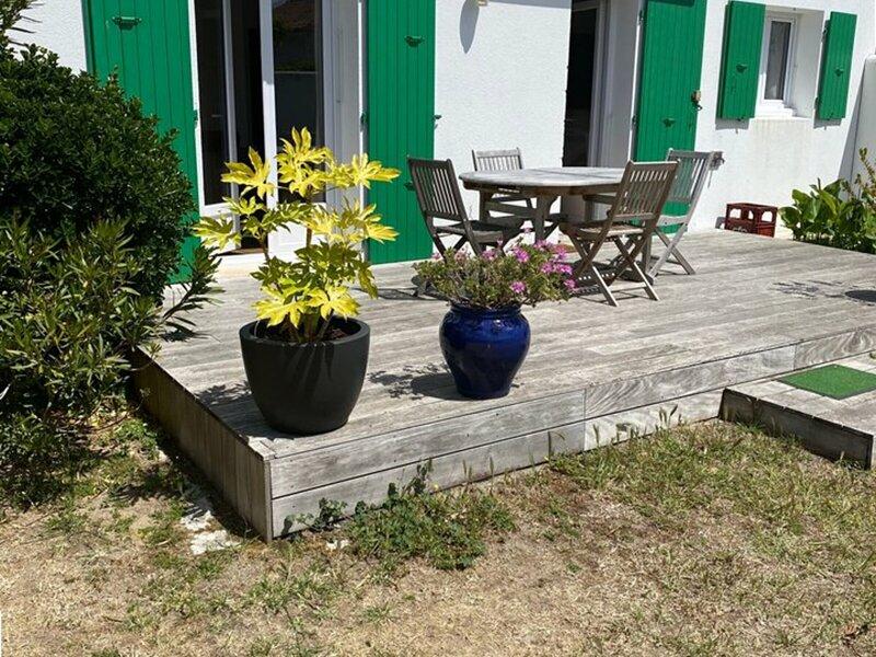LA COUARDE SUR MER MAISON REFAITE A NEUF, holiday rental in Loix