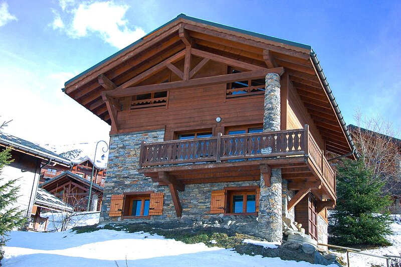 Chalet des Marmottes Ski aux Pieds aux Menuires, aluguéis de temporada em Les Menuires