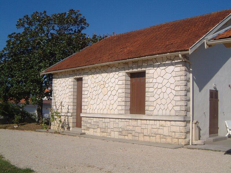Les Hortensias - Villa in Saujon, vacation rental in l'Eguille sur Seudre