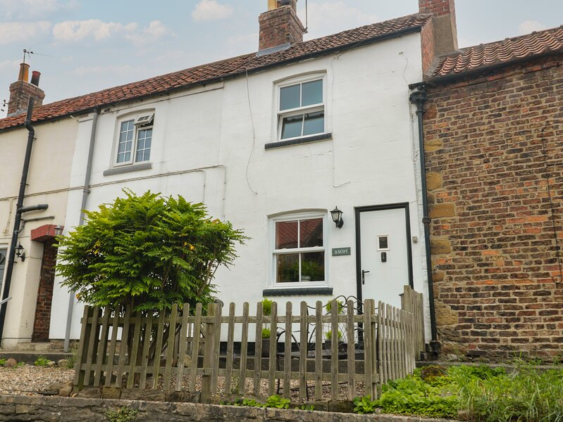 Ascot Cottage, Strensall, holiday rental in Strensall