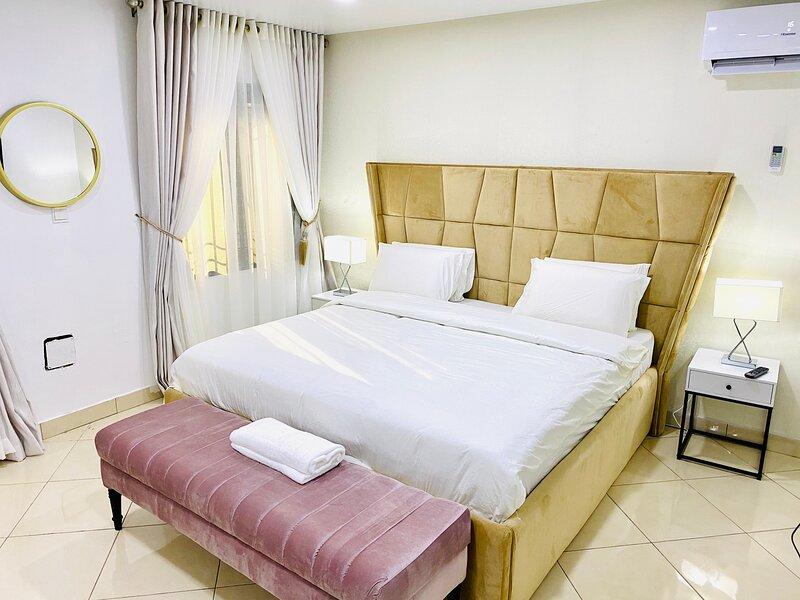 Shortlethomes - Josephine's 5 Star Short let Apartment in Lekki Phase 1, aluguéis de temporada em Lekki