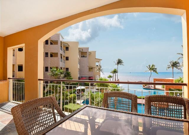 Perfect views from dowtown 3bed 2 bath condo at El Faro - Coral 203, holiday rental in Odisha