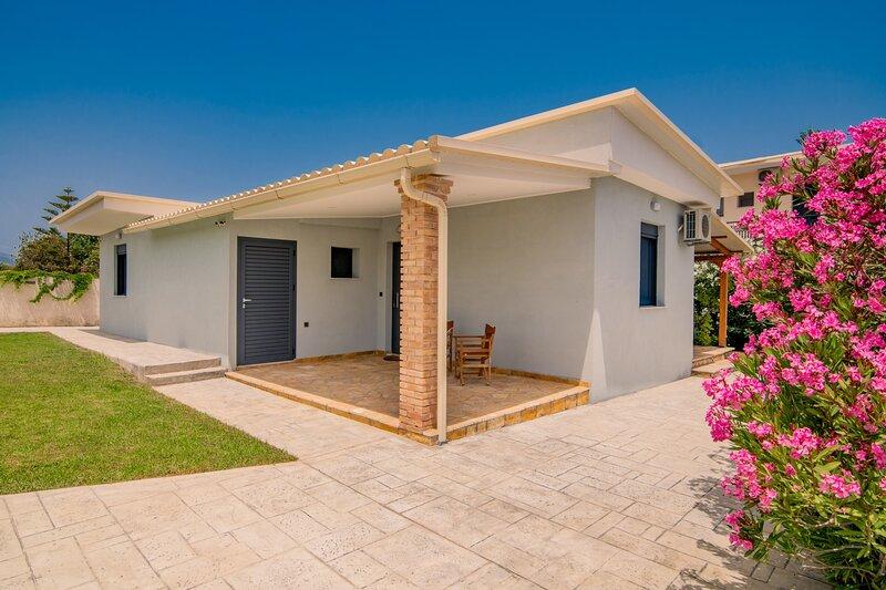 Allegra Villa - 2 Bedroom Holiday Home, casa vacanza a Psarou