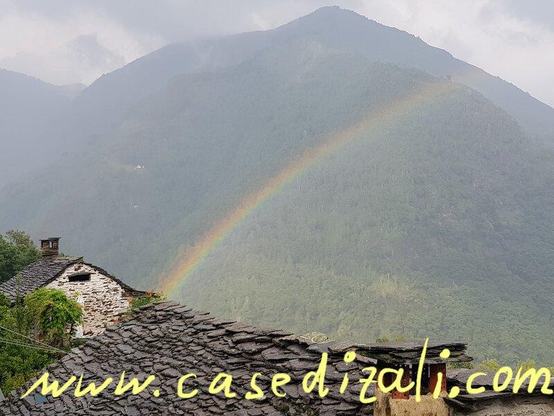 Ruhig und autofrei in den Bergen bei Cannobio Lago Maggiore in Falmenta, holiday rental in Malesco