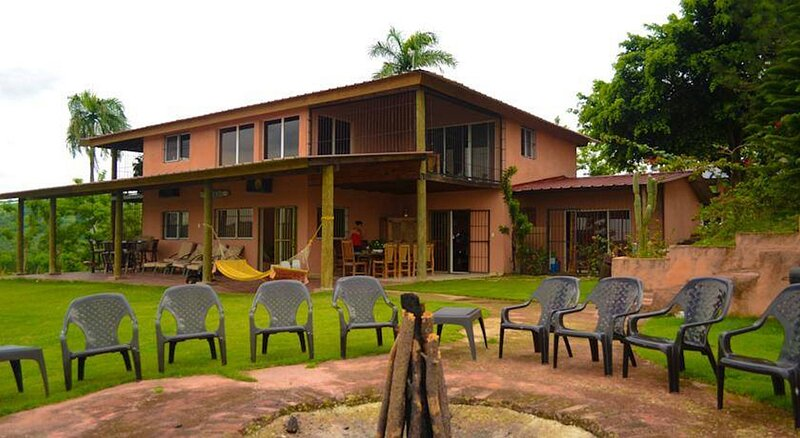 Family suite in farm overlooking the Taveras lake, holiday rental in Yaque Arriba