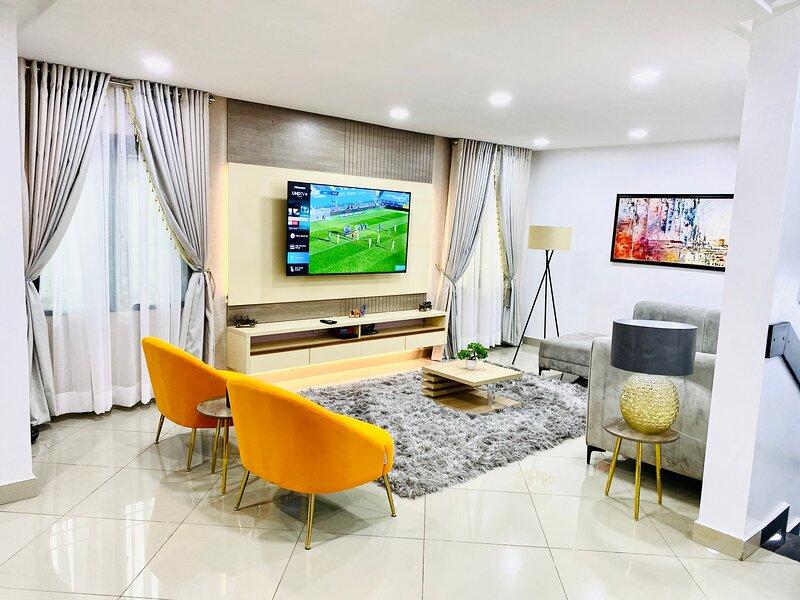 Shortlethomes - Chloe's 5 Star Short let Apartment in Lekki Phase 1, aluguéis de temporada em Lekki