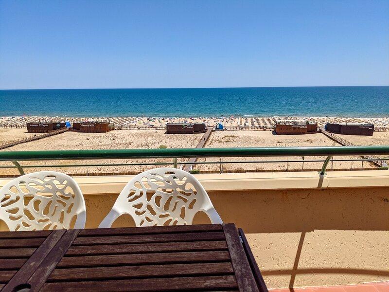 2-Bed Apt OCEAN: Seasun Vacation Rentals (discount for stays +28 nights), holiday rental in Monte Gordo