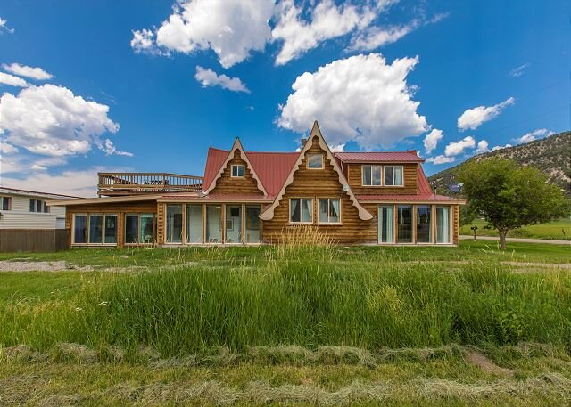 Newly remodeled  - Orvis Hot Springs Near By - Pet Friendly - Fabulous Views!, location de vacances à Ridgway