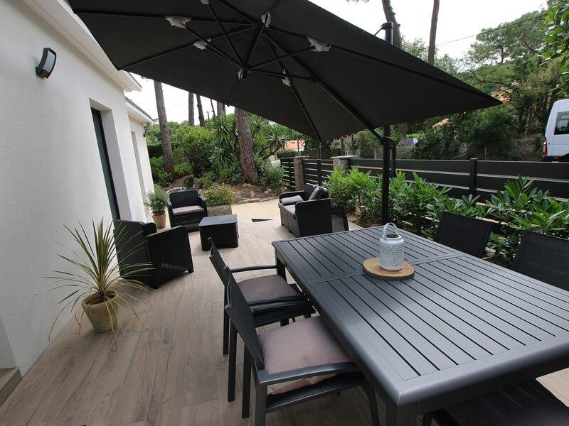 Maison rénovée avec gout - 6 couchages - Quartier des Rochelets, holiday rental in Saint-Brevin-l'Ocean