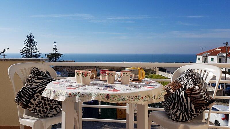 Appartement vue sur mer devant l'Océan Portugal PENICHE, holiday rental in Atouguia da Baleia