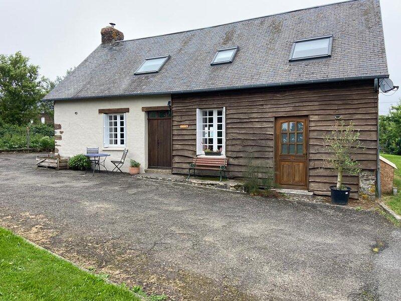 Gite La Roche - Beautiful Rural French Gite, location de vacances à Brécey