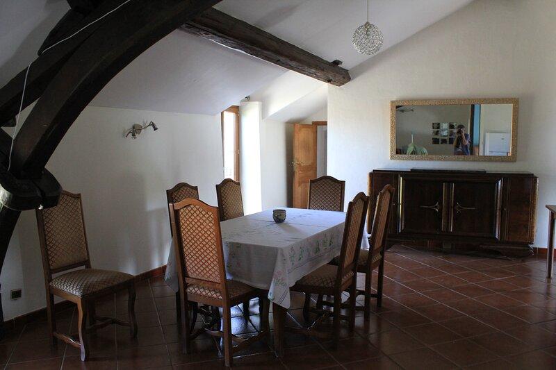 MOULIN D''Ay sur Moselle propose  appartement au calme dans un moulin du XVIIIe, holiday rental in Ottonville